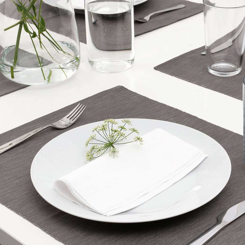 Square colored napkins plain to coordinate the table white متجر 15 وأقل