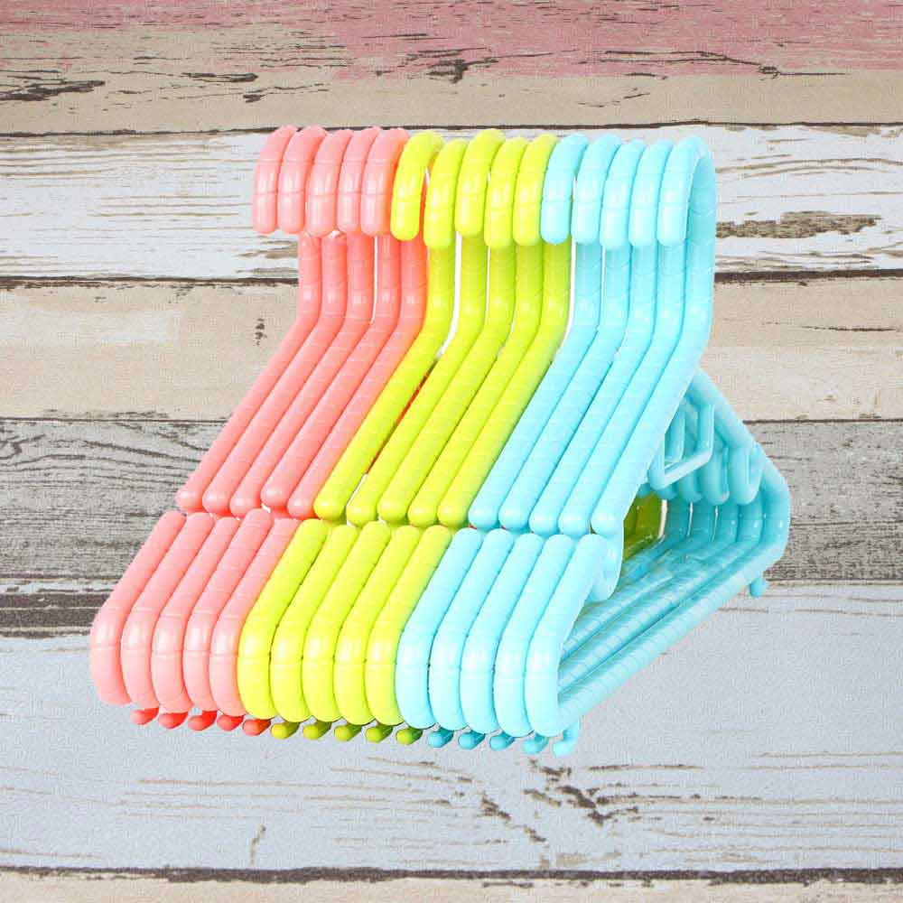 Colorful plastic clothes hanger متجر 15 وأقل