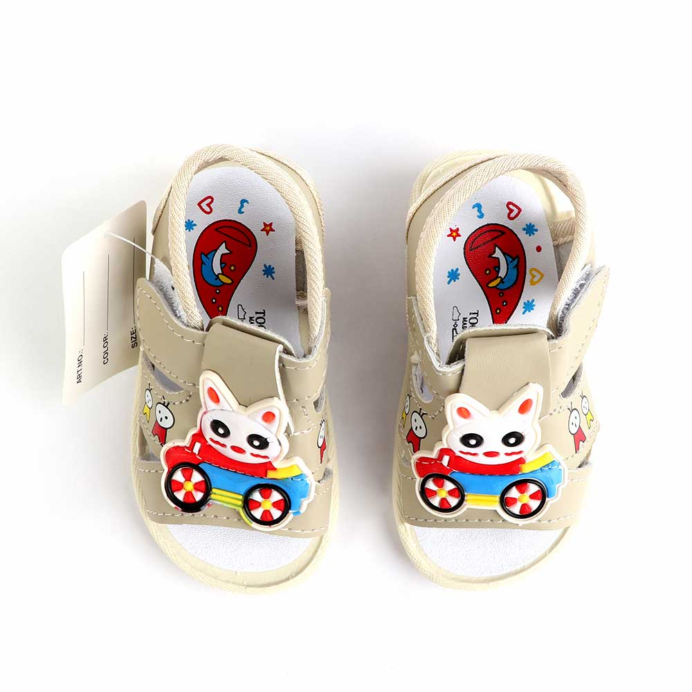 حذاء أطفال بصافرة مقاس18 لون بيج متجر 15 وأقل