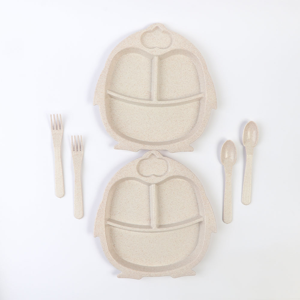طقم طبقان مقسم مع أدوات الأكل للأطفال شكل بطريق لون بيج متجر 15 وأقل