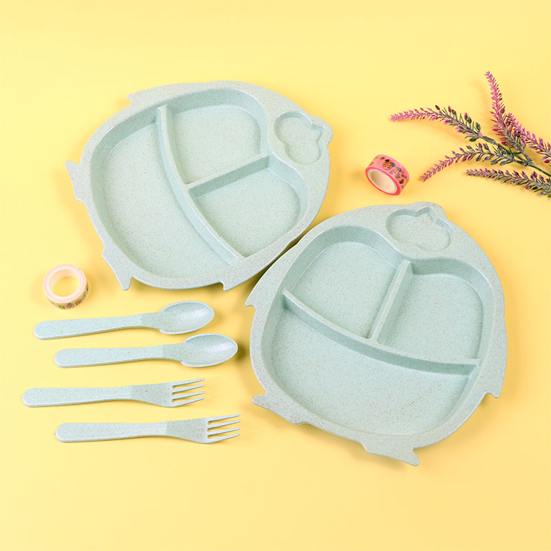 Two Set Dishes With Eating Tools for Children It is like a Penguin Shape in Green Color متجر 15 وأقل