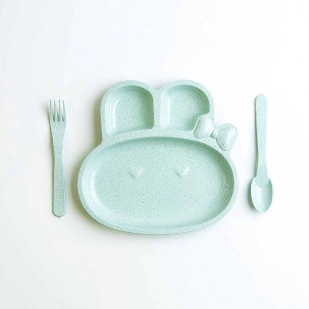 Divided plate with eating utensils for children green color متجر 15 وأقل