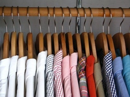 علاقات الملابس