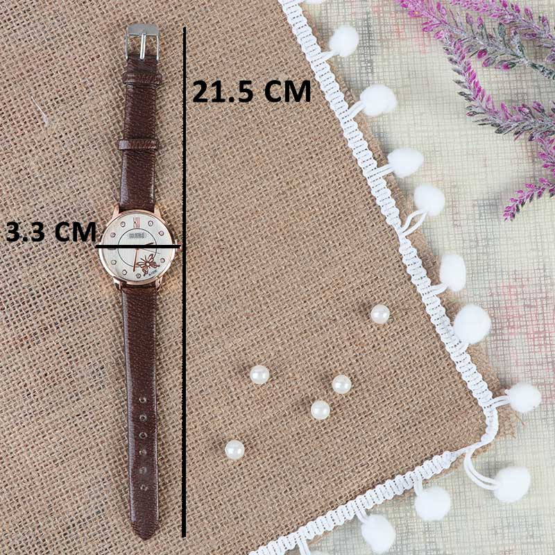 A distinctive and elegant brown leather watch with a modern design متجر 15 وأقل