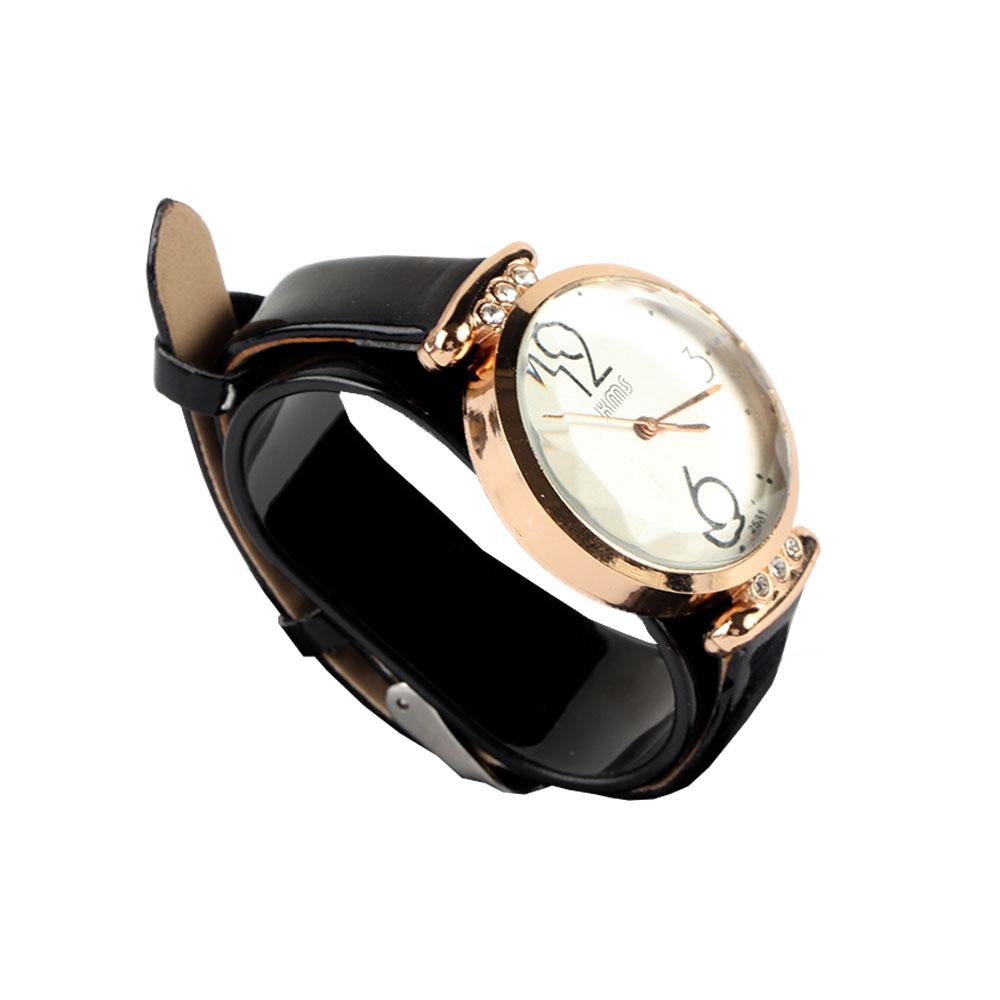 Black leather strap wrist watch with elegant design متجر 15 وأقل
