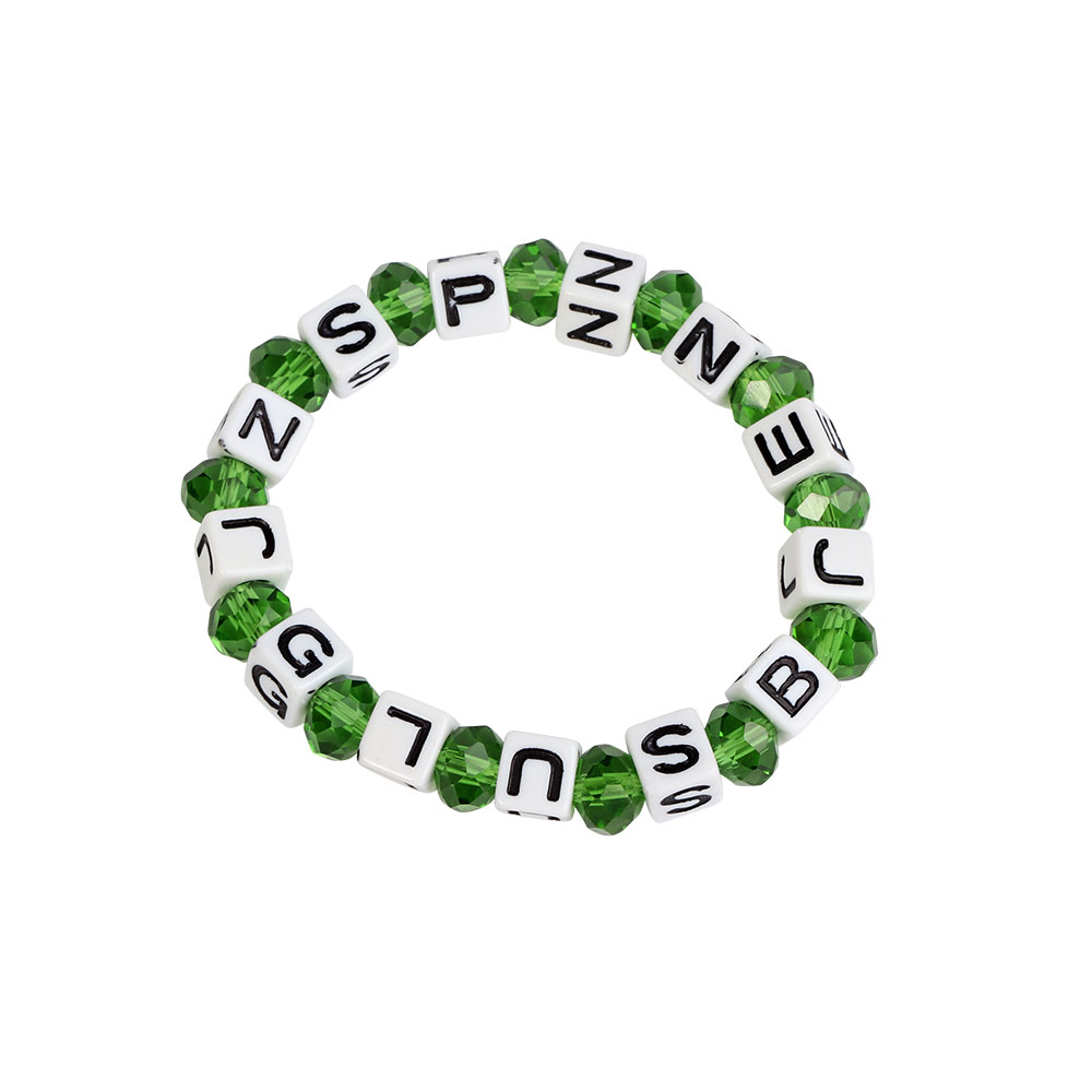 Plastic Wrist Band In White With Green Beads Color متجر 15 وأقل