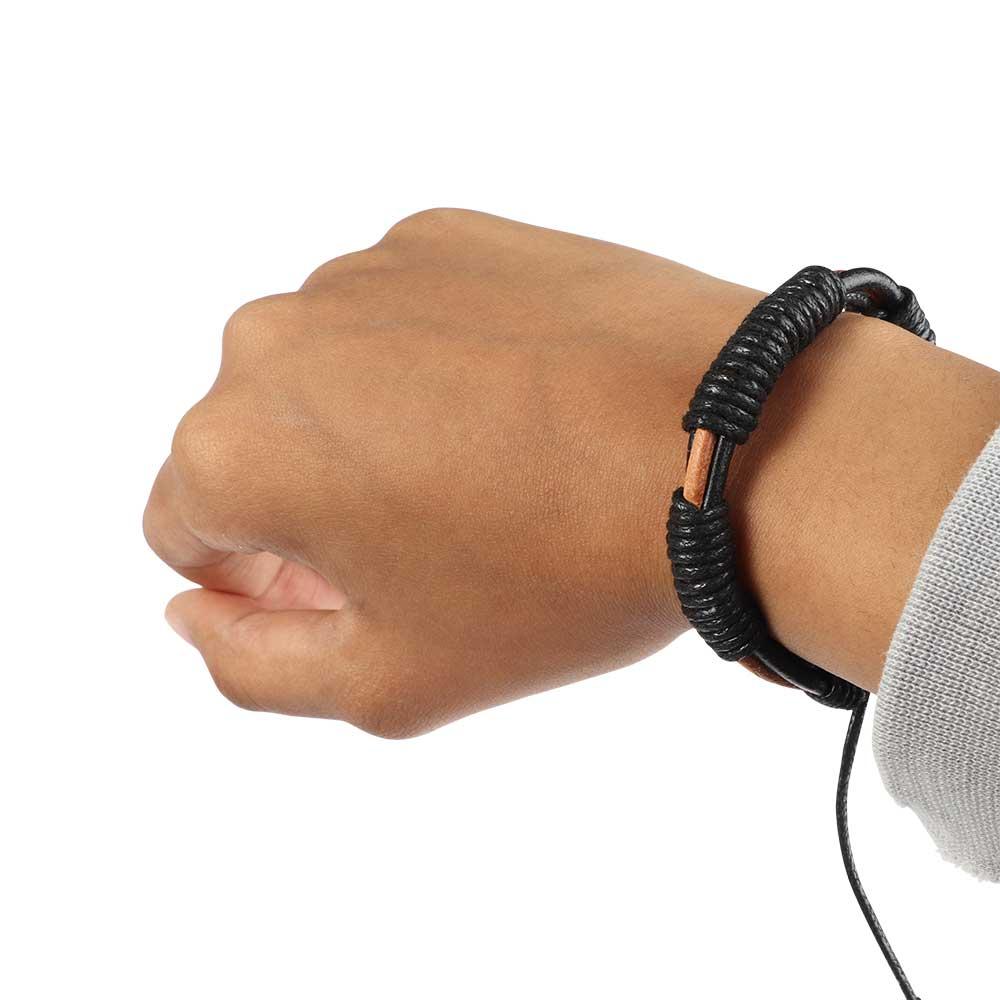 ربطة معصم جلدية محبوك بتصميم ملتف لون أسود مع بني فاتح متجر 15 وأقل