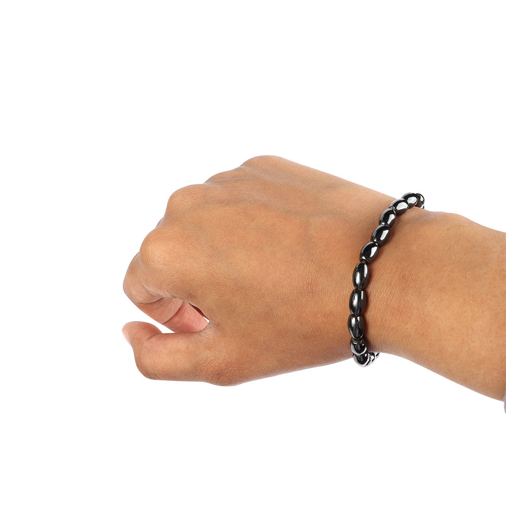 Magnetic Wrist Strap With Shiny Black Oval Beads متجر 15 وأقل