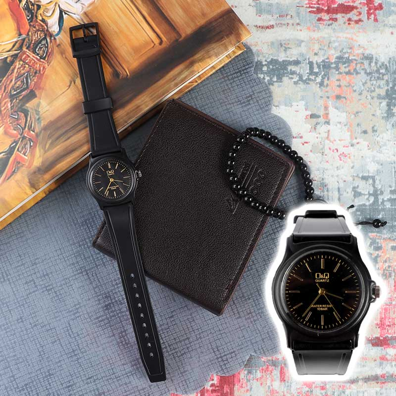 Casual wrist watch with black bracelet and gold indices متجر 15 وأقل