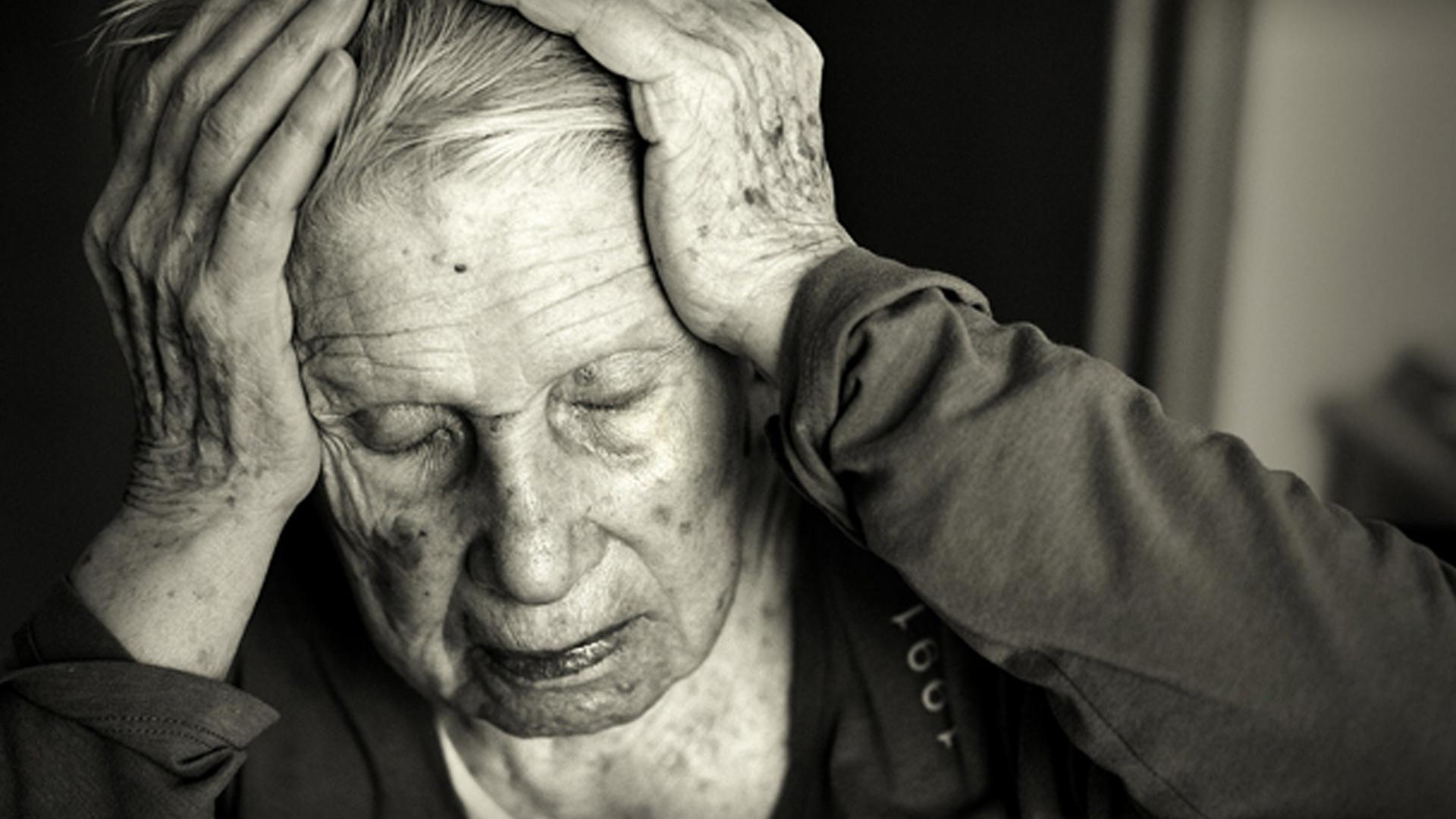 اعراض واسباب مرض الزهايمر