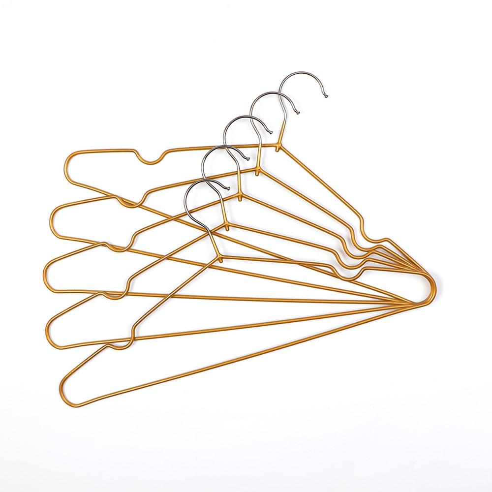 Set Of Iron Clothing Hanger 5 Pcs Golden متجر 15 وأقل