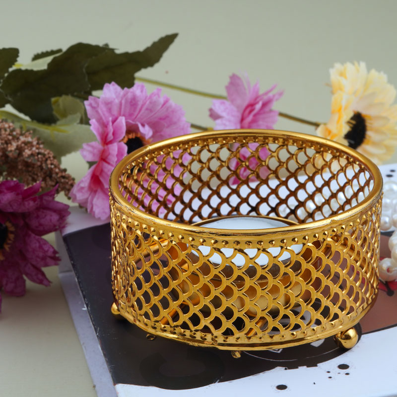Small Candle Holder - Golden Circular Candle Holder With Geometric Side Patterns متجر 15 وأقل
